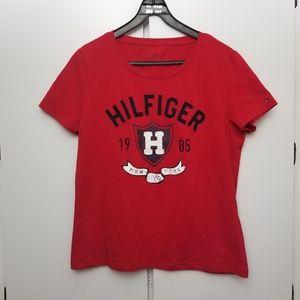 Tommy Hilfiger Tops - NWOT Tommy Hilfiger Sown-in Logo Tee